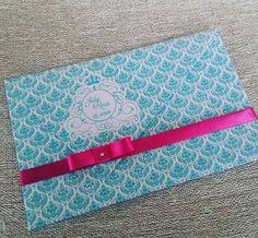 A alegria das cores Tiffany é pink para seu convite de 15 anos. #convitesde15anos #convites #debutantes #casadosconvites #15anos #festade15anos