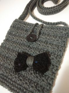 crochet shoulder bag - purse star stich with button and black bow with paillettes by yrozaf on Etsy Crochet Shoulder Bags, Crochet Projects, Purses And Bags, Beanie, Buy And Sell, Bows, Button, Stars, Creative