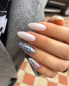 Nails Simple Glitzy Nail Design Credits: Wedding Invitations Without Breaking Sparkly Nail Designs, Sparkly Nails, Simple Nail Designs, Gold Nails, Nail Art Designs, Simple Acrylic Nail Ideas, Glitter Nails, Gold Glitter, Cute Acrylic Nails