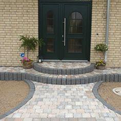 Pflastersteine eingangsbereich  Passend zum Charakter des Hauses fügt sich der Eingangsbereich ...