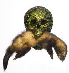 Jan Fabre Référence à la vanité / mort / vulnérabilité Cette photographie représente un crâne et un cadavre d'animal et pourtant, le dégoût n'est pas notre première sensation