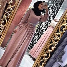 Cocktails Party Outfit For Women Muslim Prom Dress, Modest Outfits Muslim, Hijab Evening Dress, Hijab Dress Party, Evening Dresses, Arab Fashion, Islamic Fashion, Muslim Fashion, Modest Fashion
