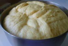 Univerzální kynuté těsto na přípravu koláčů nebo na pizzu! Russian Recipes, Apple Pie, Nutella, Mashed Potatoes, Bread, Cheese, Homemade, Dishes, Cooking