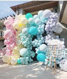 Cutest octopus cake pops or should I say octipi by found via Balloon Wall, Balloon Garland, Balloon Decorations, Birthday Decorations, Baby Balloon, Balloon Ideas, Baby Shower Menu, Bridal Shower, Balloon Installation