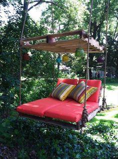 """""""Urob si sám"""" závesné relaxačné lehátko z paliet do záhrady"""