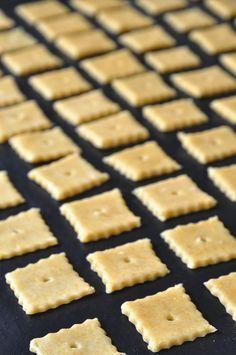 Πόσες δικαιολογίες χρειάζεστε για να χωθείτε στην κουζίνα την πιο κατάλληλη ή συνηθέστερα ακατάλληλη ώρα γιανα φτιάξετε κάτι; Εγώκαμία! Μπορεί να φταίει μιαξαφνική λιγούρα, ηακατάσχετη μου επιθ… Kitchen Recipes, Cooking Recipes, Healthy Snaks, Chocolate Deserts, Cheese Biscuits, Greek Dishes, Biscuit Recipe, Greek Recipes, Cooking Time