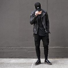The blackout  #estate #simplefits #outfitsociety