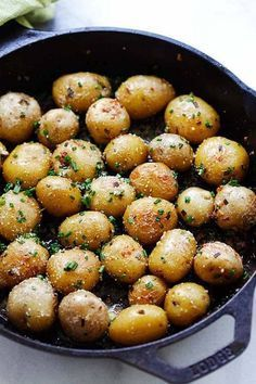 Garlic Chive Butter Roasted Potatoes - roasted baby potatoes with garlic, chives, butter and Parmesan cheese. The only roasted potatoes recipe you'll need. Baby Potato Recipes, Roasted Potato Recipes, Vegetable Dishes, Vegetable Recipes, Sauteed Potatoes, Side Dish Recipes, Dinner Recipes, Recipes, Planks