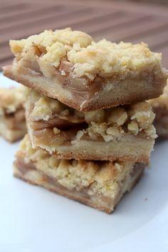 Apple Shortbread Squares Baked Apple Dessert, Apple Dessert Recipes, Brownie Recipes, Apple Recipes, Best Apples For Baking, Apple Pie Bars, No Bake Brownies, Shortbread Crust, Brownie Bar