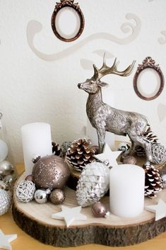 Wo bekommt man schöne Weihnachtsdekoration her - I& so much looking forward to Christmas! Therefore I decorated my entire room with cute decorations lights, ornaments, wood elements, reindeers, . Beautiful Christmas Decorations, Decoration Christmas, Noel Christmas, Christmas Centerpieces, Decoration Table, Xmas Decorations, Rustic Christmas, Christmas Crafts, Holiday Decor