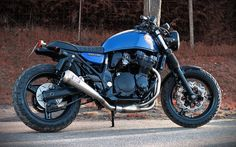 Cafe racers, scramblers, street trackers, vintage bikes and much more. The best garage for special motorcycles and cafe racers. Kawasaki Cafe Racer, Suzuki Cafe Racer, Inazuma Cafe Racer, Cafe Racer Bikes, Cafe Racer Motorcycle, Motorcycle Design, Cafe Racers, Vintage Bikes, Vintage Motorcycles