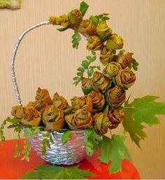 Crafts of autumn materials Autumn Crafts, Diy Room Decor, Home Decor, Dried Flowers, Amazing Art, Fall Decor, Lanterns, Planter Pots, Floral Wreath