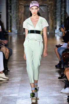 John Galliano Spring 2014 – Vogue