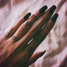 Finger tattoos also look great on women! fingertattoos linework finger