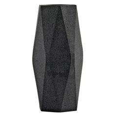 Geometery Tall vas från House Doctor. En snygg vas med form likande en stor avlång stenbumling. Vase...