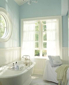Cottage style bathroom (wall color two-tone simplicity) I would love to do this in the cottage bathroom, I love it! Style At Home, Country Style Homes, Country Chic, Low Country, French Country, Cottage Chic, Cottage Living, Cottage Homes, Living Room