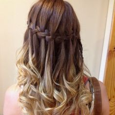 50 Waterfall Braid Inspirations You will Love, These 50 waterfall braids will add some romantic and feminine vibe into your looks. If you are looking for a sophisticated braid, then here you fou. Braided Hairstyles For Teens, Classic Hairstyles, Teen Hairstyles, Trending Hairstyles, Braid Hairstyles, Medium Hair Styles, Natural Hair Styles, Long Hair Styles, 5 Strand Braids