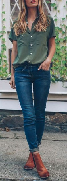einfaches Outfit im Casual-Style: Shirt + Skinnies + Stiefel - Kleidung mode Fashion 2017, Look Fashion, Autumn Fashion, Fashion Outfits, Womens Fashion, Fashion Trends, Fashion Clothes, Fashion Ideas, Ladies Fashion