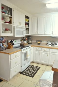 Your guide to turning your house into a home. one DIY project and yard sale find at a time Kitchen Cabinets Repair, Laminate Cabinets, Painting Kitchen Cabinets, Kitchen Cupboards, Diy Kitchen, Kitchen Ideas, Luxury Homes Interior, Home Interior Design, Laminate Cabinet Makeover