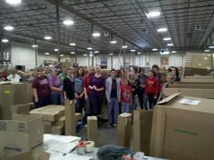 Student Council Community Service offshoot volunteers at Roadrunner Food Bank