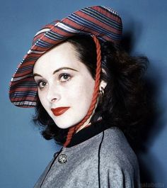 gatabella:  Hedy Lamarr, c.1940