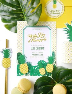 Party Like a Pineapple Tropical Birthday Party - ideas on DIY decorations, dinner party food, drinks, printables and favors for a tropical summer celebration! 25th Birthday Parties, Birthday Dinners, Summer Birthday, Hawaiian Birthday, Hawaiian Theme, Moana Birthday, Flamingo Birthday, Baby Birthday, Printable Invitations