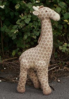 Geoffrey the giraffe - our top 10 FREE animal patterns - find them all on the Let's Knit blog!