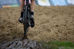 Superprestige Ruddervoorde 2011  (viaSuperprestige #1 – Ruddervoorde | cyclephotos | mud, sweat and gears- thanks for sharing your photographs!)