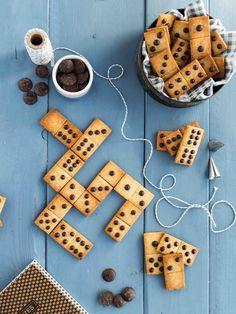 Sablés Domino Choco/Coco/Banane (sans œufs ni beurre) - Sablés domino choco banane Sie sind an der richtigen Stelle für Backen himbeeren Hier bieten wir - Cookies Et Biscuits, Sugar Cookies, Shortbread Biscuits, Chip Cookies, Cute Food, Yummy Food, Cookie Recipes, Dessert Recipes, Cute Baking
