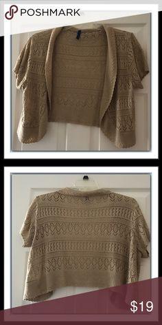 Banana republic sweater shrug | Shorts, Banana republic and Ea