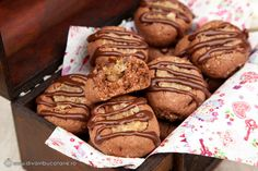 FURSECURI CU NUCA SI CACAO | Diva in bucatarie Diy And Crafts, Muffin, Cooking Recipes, Bread, Cookies, Breakfast, Sweet, Foods, Sweets