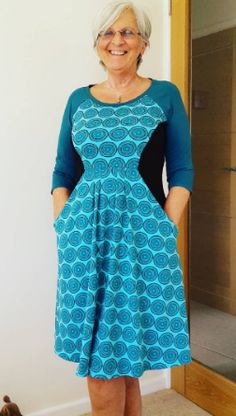 Jenny's Zadie dress (as worn by her mum!) - sewing pattern by Tilly and the Buttons