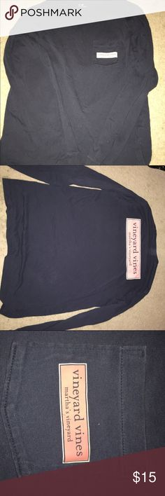 Vineyard vines longsleeve Really comfortable. Barely worn. No stains or signs of wear. Size small but can fit a medium Vineyard Vines Tops Tees - Long Sleeve
