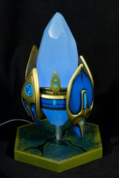 a Protoss Pylon lamp! major geek want! Punished Props, Gaming Lounge, Starcraft 2, Imagination Station, Stars Craft, Wedding Reception Tables, Fantasy World, Craft Videos, Picture Video