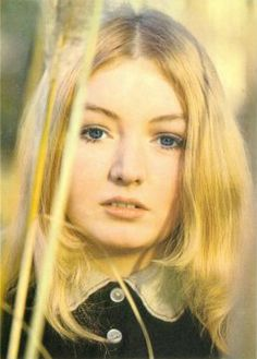 """JoanMira - VI - Oldies: Mary Hopkin - """"Those where the days"""" - Video - Mus. 20th Century Music, E Motion, Women Of Rock, 60s Music, Indie Pop, Those Were The Days, Music Photo, Female Singers, Kinds Of Music"""