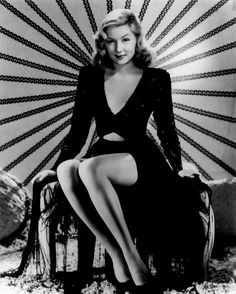 Gloria Grahame Poster It measures 24 x 36 inches This pin-up glamour photo is of gorgeous film noir siren Gloria Grahame. Ironically, she is best known for her role as Violet Bick in the Frank Capra film classic It's A Wonderful Life. 50s Glamour, Glamour Photo, Hollywood Glamour, Old Hollywood, Classic Hollywood, Hollywood Picture, Vintage Glamour, Hooray For Hollywood, Hollywood Icons