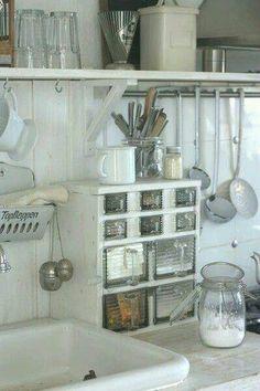 Beautiful Blue Shabby Chic Bedroom Ideas – Shabby Chic Home Interiors Cozinha Shabby Chic, Baños Shabby Chic, Shabby Chic Bedrooms, Shabby Vintage, Shabby Chic Homes, Shabby Chic Furniture, Furniture Vintage, Diy Kitchen Cabinets, Kitchen Storage