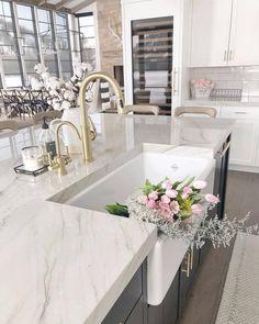 Interior Design Career - Should You Go For Design Firms Or Self Employment? Interior Design Career, Home Design, Decor Interior Design, Interior Decorating, Design Interiors, Kitchen Planner, Organized Kitchen, Cuisines Design, Cool Furniture