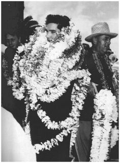 March 1961 Elvis  arrival on Oahu for benefit concert for USS Arizona    Apparently 3bb73cc0679a