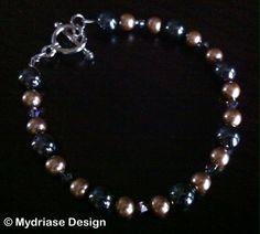 Bracelet fait à la main avec perle et cristaux de swarovski ainsi que des perles onyx.