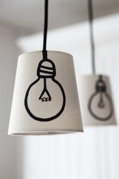 #DIY-Idee: Becher Lampe mit aufgemalter Glühbirne.