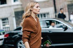 Street style Olivia Palermo à la Fashion Week de Londres cheveux wavy