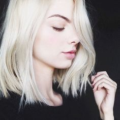platinum bob. #AColorToDyeFor #Feria  (Not specifically wanting to dye my hair platinum blonde but love the length.)