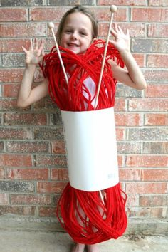 This Halloween don't spend a lot of money on a costume the kids will only wear once. Check out these 18 DIY Halloween costumes that are so easy to make! Cute Costumes, Carnival Costumes, Creative Halloween Costumes, Halloween Crafts, Halloween Party, Halloween Decorations, Amazing Costumes, Zombie Costumes, Group Costumes
