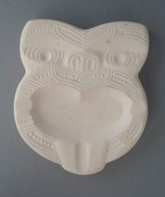 on NZ Museums New Zealand Art, Mold Making, Carving, Pottery, Clay, Crown, Ceramics, Smokers, Museums