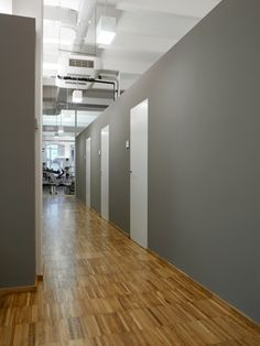 #architecture #interiordesign #design #interior #minimal #italianstyle #italiandesign #federicodelrossoarchitects #italianarchitects #interiorarchitecture #studioarchitettura #white #wood #metal #decor #neutral #grey #lighting #lightdesign #furniture #officespaces #officespacedesign