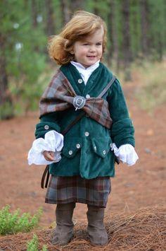 'Outlander' effect: Aussie mum turns son into 'Mini Jamie'