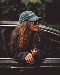 Cute cars photos are offered on our site. Take a look and you wont be sorry you did. Photo Pour Instagram, Instagram Pose, Cute Poses For Pictures, Poses For Photos, Car Pictures, Portrait Photography Poses, Fashion Photography Poses, Teenage Girl Photography, Stunning Photography