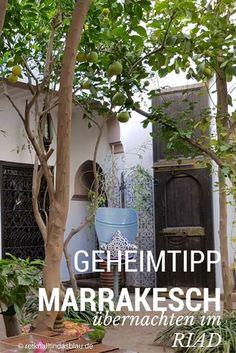 Wir wollten das Gefühl von 1.001 Nacht erleben und haben uns deswegen entschlossen in Marrakesch in einem traditionellem Riad zu übernachten. Lest jetzt in Teil 5 meiner Marokko Serie auf meinem Blog, was ein traditionelles Riad auszeichnet.