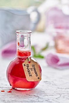 Due ricette in una: sciroppo e confettura di fragole alla vaniglia - Strawberry/vanilla syrup and jam